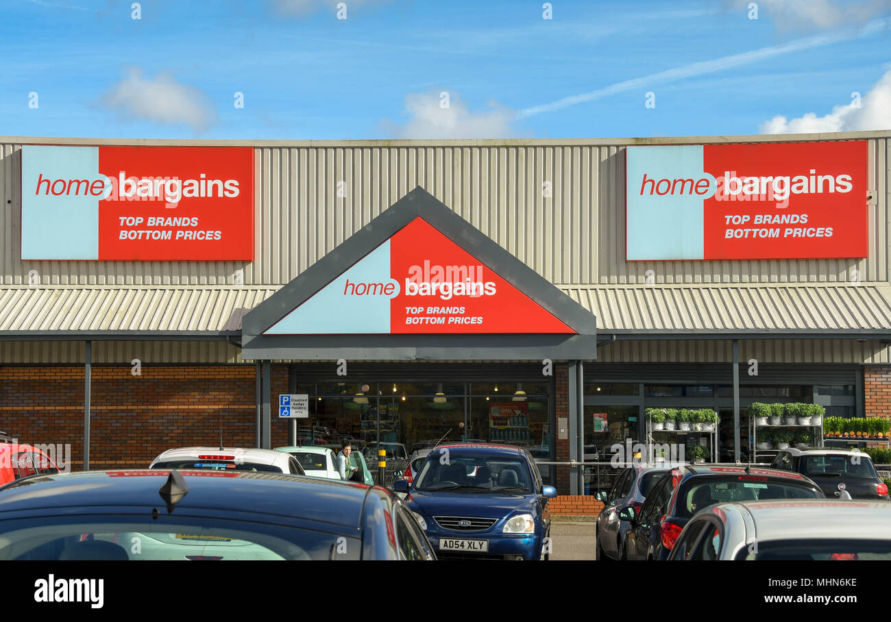 Large sign above the entrance to a branch of Home Bargains on a retail park Stock Photo
