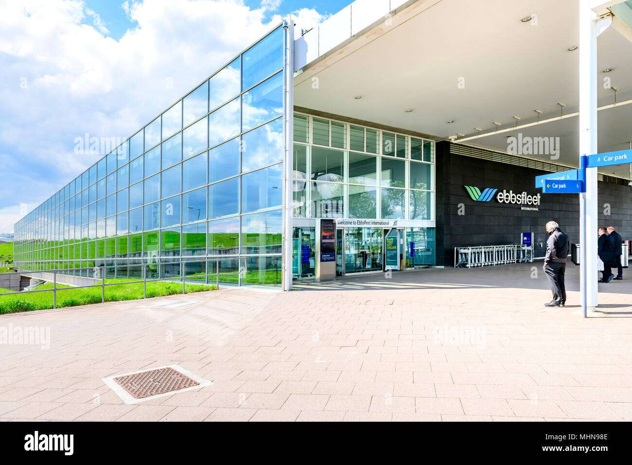 entrance-and-building-ebbsfleet-internat