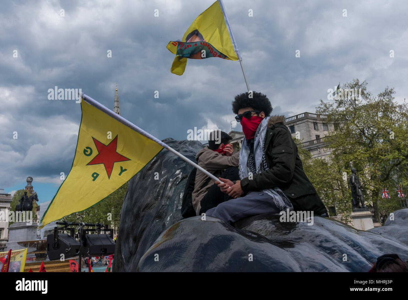 May 1, 2018 - London, UK. 1st May 2018. Kurds hold flags supporting ...