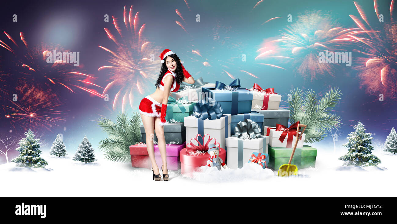 Young women and Christmas gifts Stock Photo: 183202742 - Alamy
