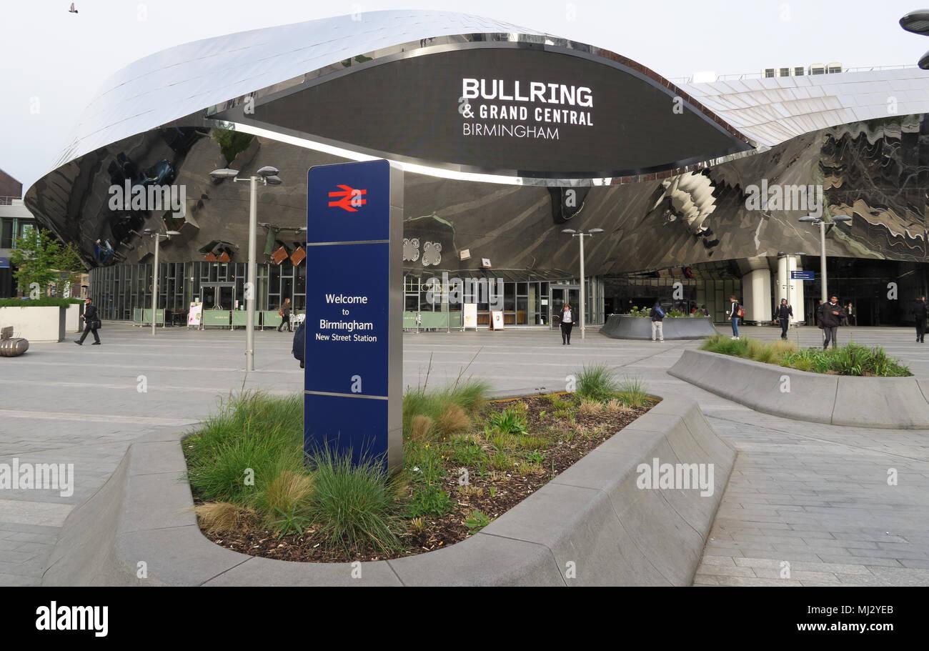 City,Birmingham City,WM,Brum,Brummie,Mainline,railway,station,Rail station,WCML,Virgin,London Midland,Midland,Midlands,GoTonySmith,new,redeveloped,rail,Arts,and,Crafts,style,cock fighting,central,hub,Virgin Trains,transport,infrastructure,Gateway Plus,Midland Railway,LNWR,British Rail,BR,Network Rail,Network,redevelopment,Eastern Entrance,Entrance,regeneration scheme,regeneration,approved,plan,plans