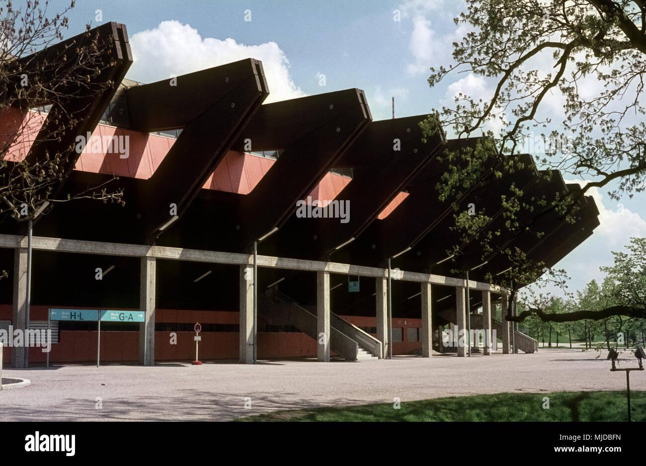 Der Münchner Olympiapark Kurz Vor Der Fertigstellung. The Olympic Park Of  Munich Under Construction.