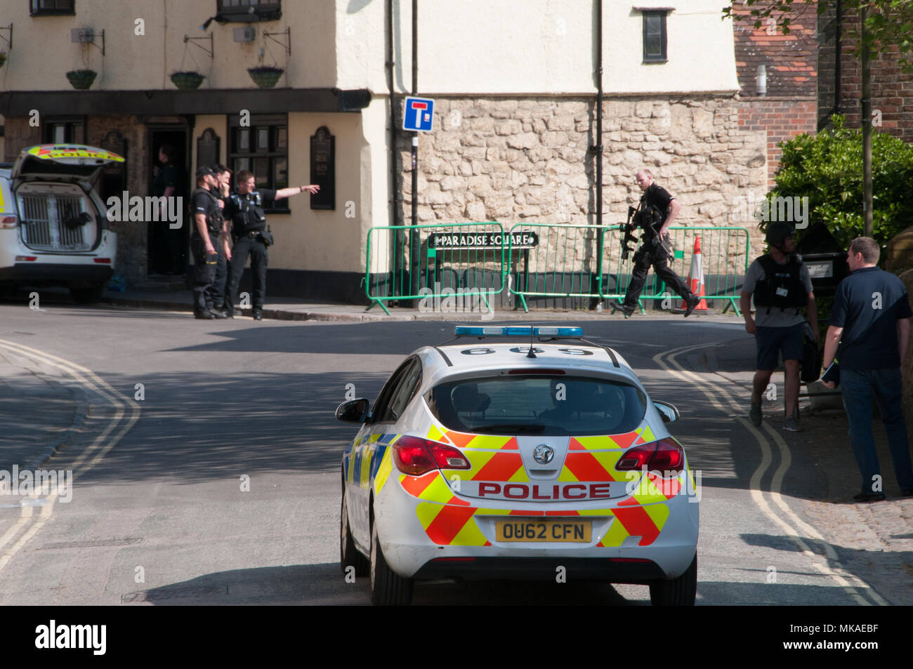 oxford-oxfordshire-uk-7th-may-2018-police-incident-in-central-oxford-credit-stanislav-halcinalamy-live-news-MKAEBF.jpg