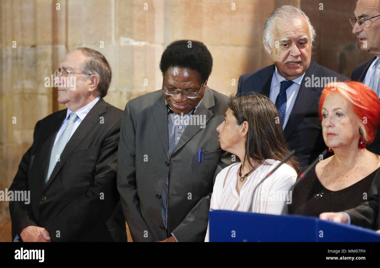 Professor Mbuy Kabunda Badi 2 L And Former Doctors Without Borders President Paula Farias R Members Of Princess Asturias Prize For International