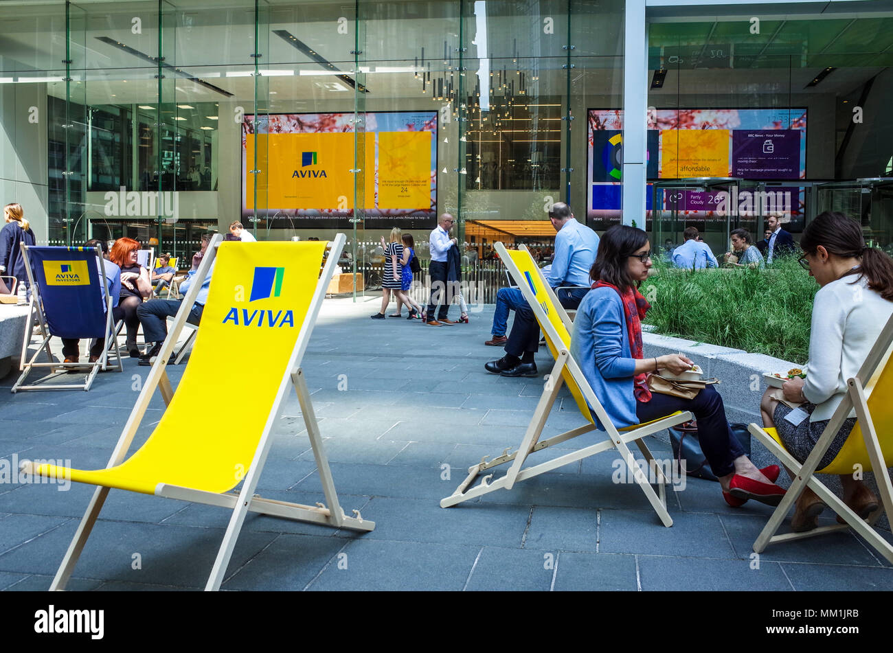 aviva-london-aviva-sponsored-deck-chairs