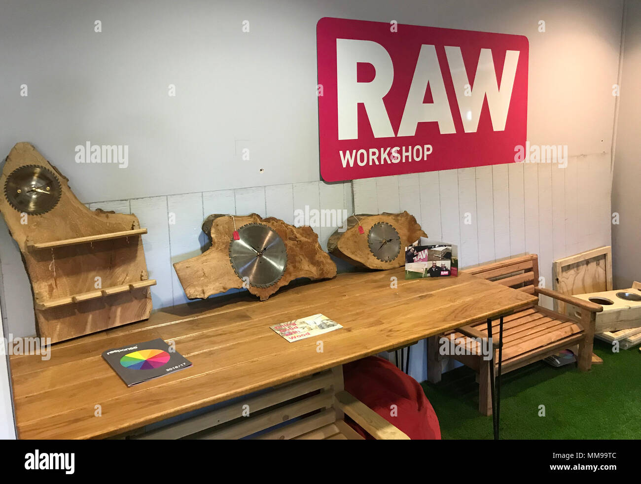 GoTonysmith,@HotpixUK,Blackbird Leys,reclaimed woodworkers,reclaimed,tables,craft,woodcraft,joinery,Dunnock Way,Oxford,OX4 7EX,OX4,DIY,grant,skills,wood skills,wood recycling,wood collection,woodwork,reclaimed timber,doing good with wood,employ,train,support,people with physical difficulties,people,help,assist,mental health illness,recovery from addiction,criminal histories,Response Oxford,Response,Furniture,Products,making furniture,making products,Joinery Workshop