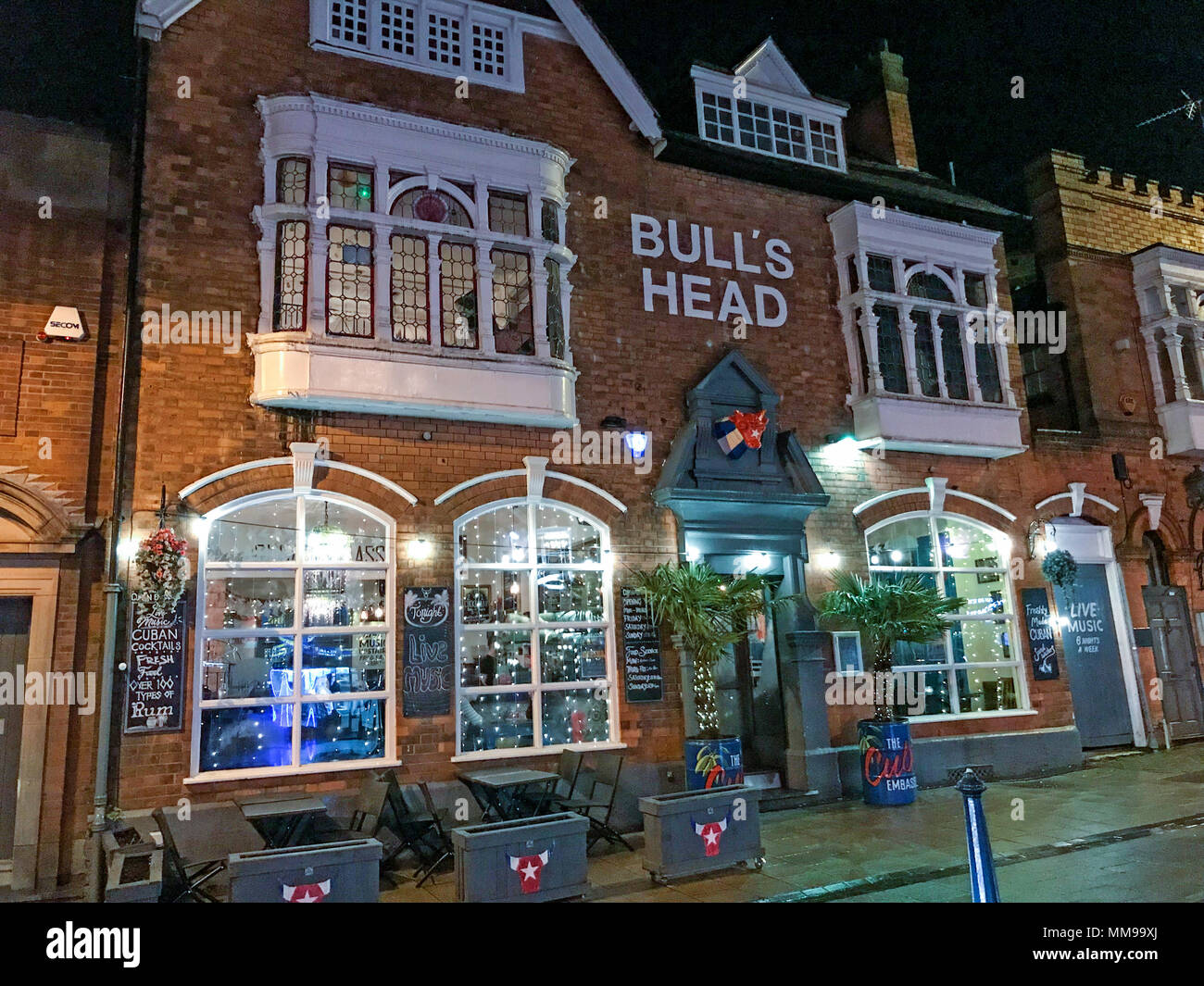GoTonysmith,@HotpixUK,pub,bar,at,dusk,nighttime,evening,night,B13,village,Moseley Village,B13 8HW,UK,city,city centre,CAMRA,real ale,beer,drinking,Cuban Embassy,rum,latin,music