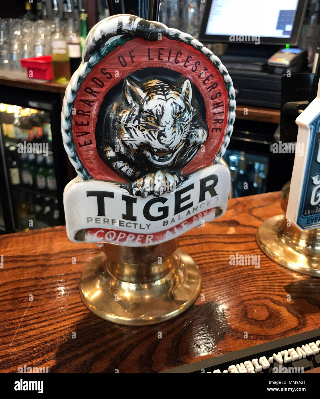 GoTonysmith,@HotpixUK,real ale,on a bar,bar,bitter,in a,pubs,bars,England,UK,GB,Britain,British,Traditional British Beer,tourist,tourism,Everards,brewery,brewing,copper ale,copper,cat,log,sign,handpull,Tiger beer,Leicester,Leicestershire,county,English,beer brewing,local,national,alcohol,drinking,units of alcohol,Dangers of Alcohol