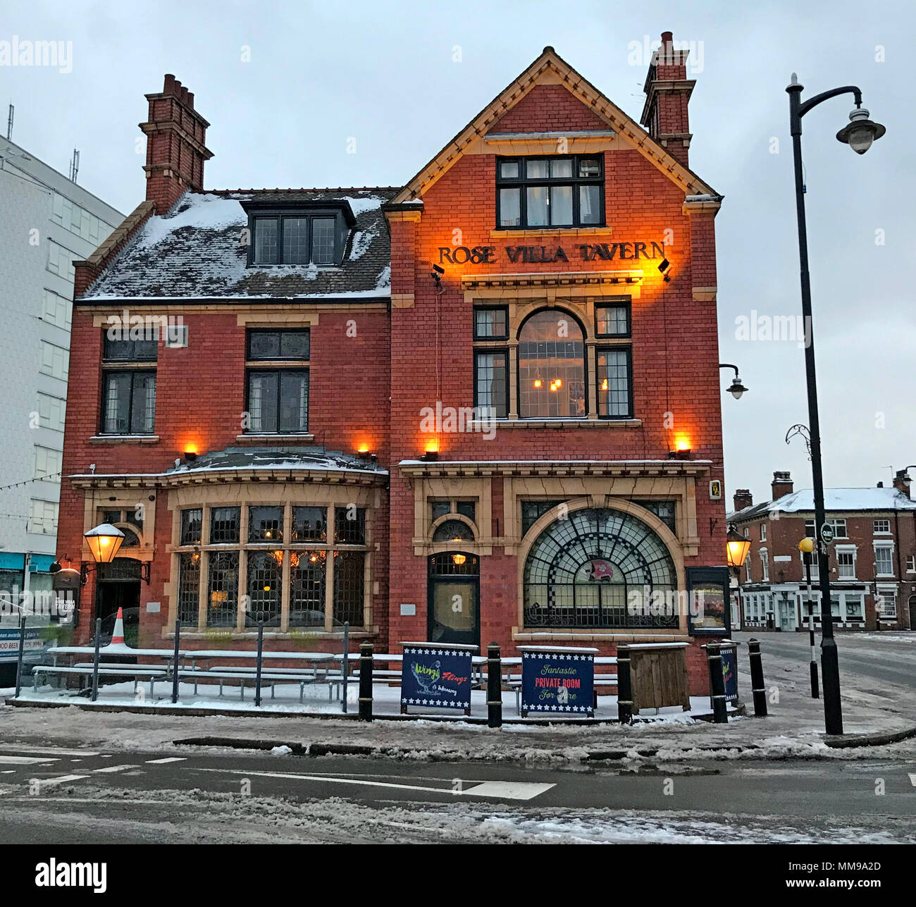 GoTonysmith,@HotpixUK,homely,in the snow warm,city centre in the snow,boozer,old fashioned,craft ales,snowy scene,scene,snowy,Birmingham,snow,the,england,brick,street,West Midlands,traditional,winter,drink,at night,night,dusk,centre,city,Jewellery Quarter,pub,bar,Rose Villa,172 Warstone Ln,B18 6JW,B18,UK,tiled,tiling,pubs