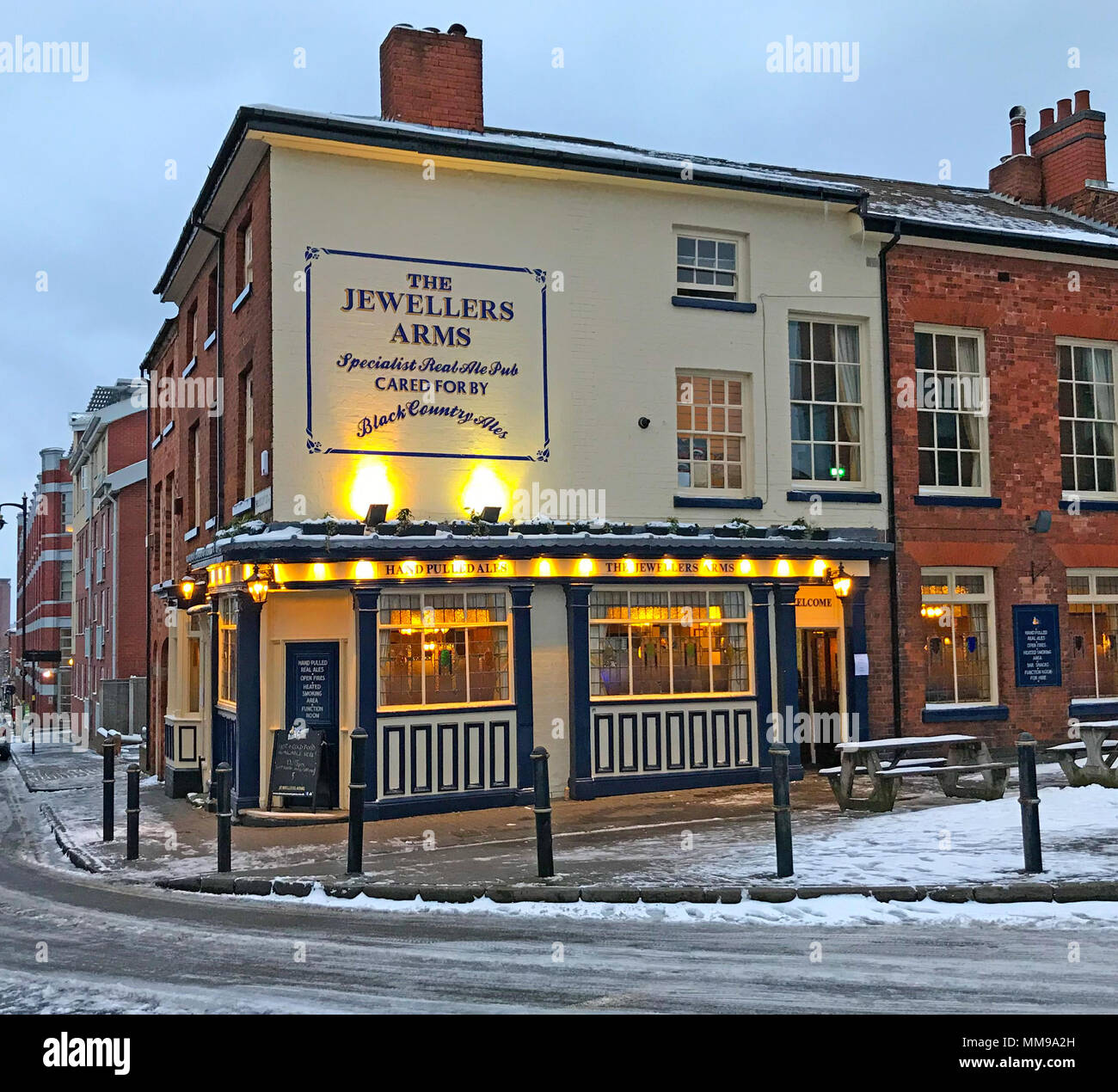 GoTonysmith,@HotpixUK,pub,bar,Jewellery Quarter,Quarter,city,centre,dusk,night,at night,winter,cold,drink,drinking,traditional,ale,ales,beers,brick,street,West Midlands,england,Black Country,UK,GB,Birmingham,the,snow,snowy,scene,snowy scene,boozer,old fashioned,craft ales,in the snow warm,city centre in the snow,homely