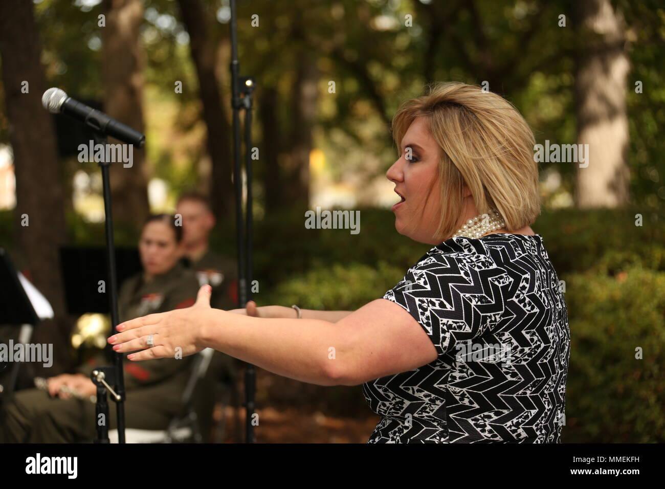 Hillary Goodson-Spear directs the White Oak High School Chamber ...