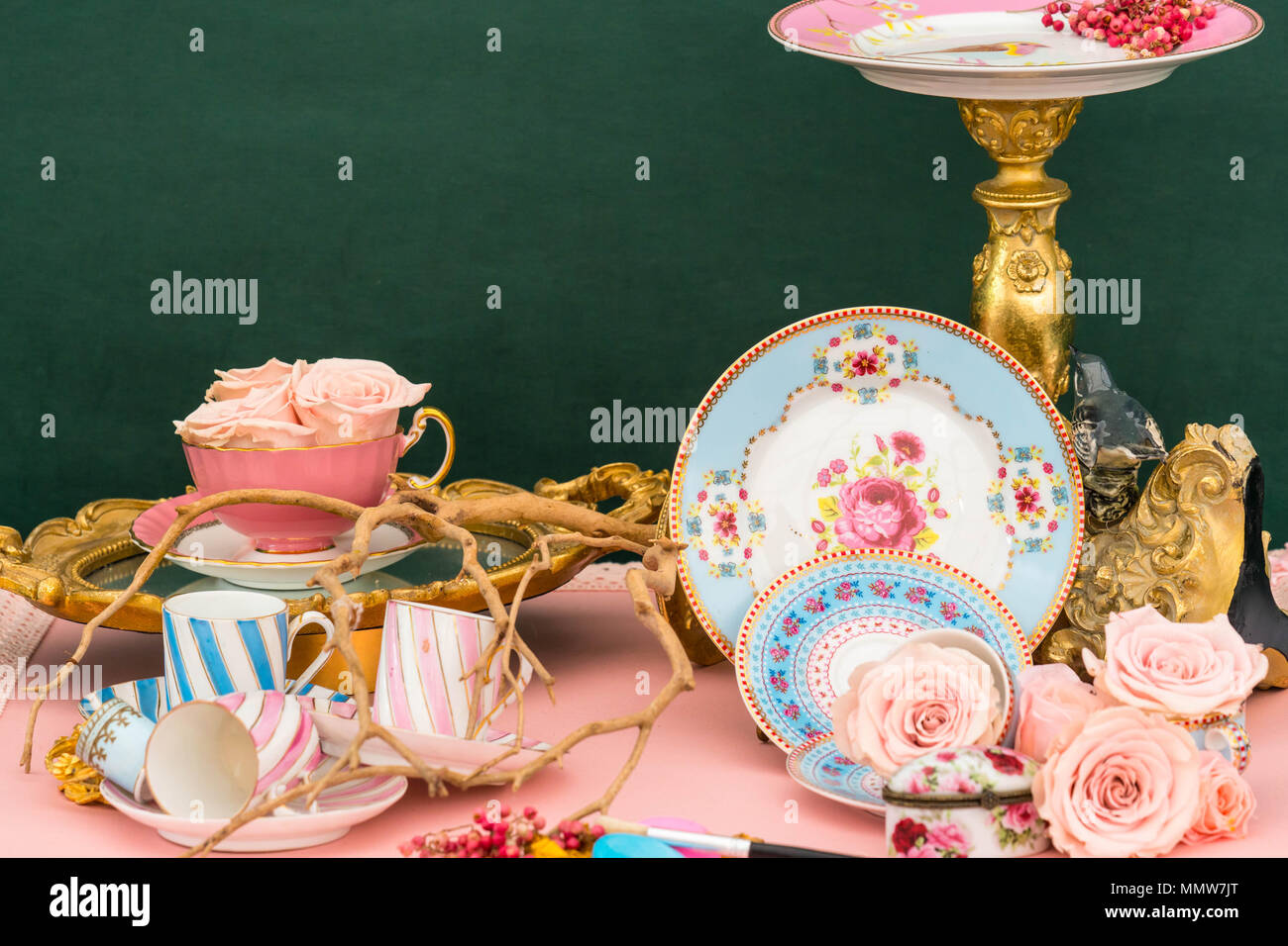 Creative display with china tea service and roses. Malvern Spring Festival Worcestershire UK. May 2018 Stock Photo