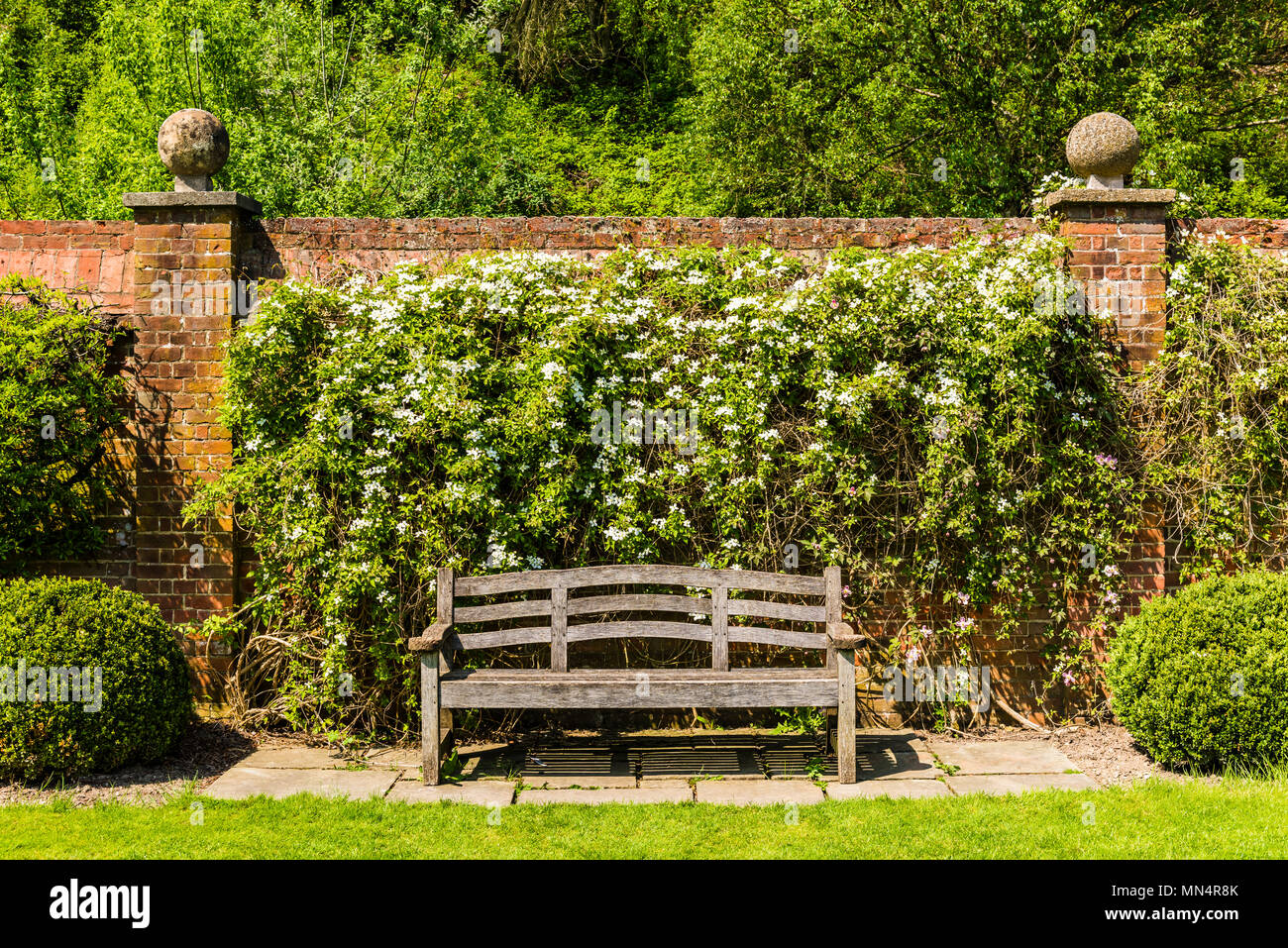 Bench and wall at Chartwell, Kent, UK - Stock Image
