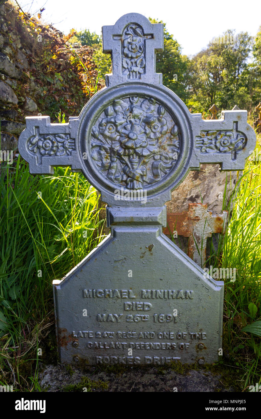 grave-of-an-ex-soldier-who-took-part-in-and-survived-the-battle-of-rorkes-drift-made-famous-in-the-film-zulu-in-castlehaven-ireland-MNPJE5.jpg
