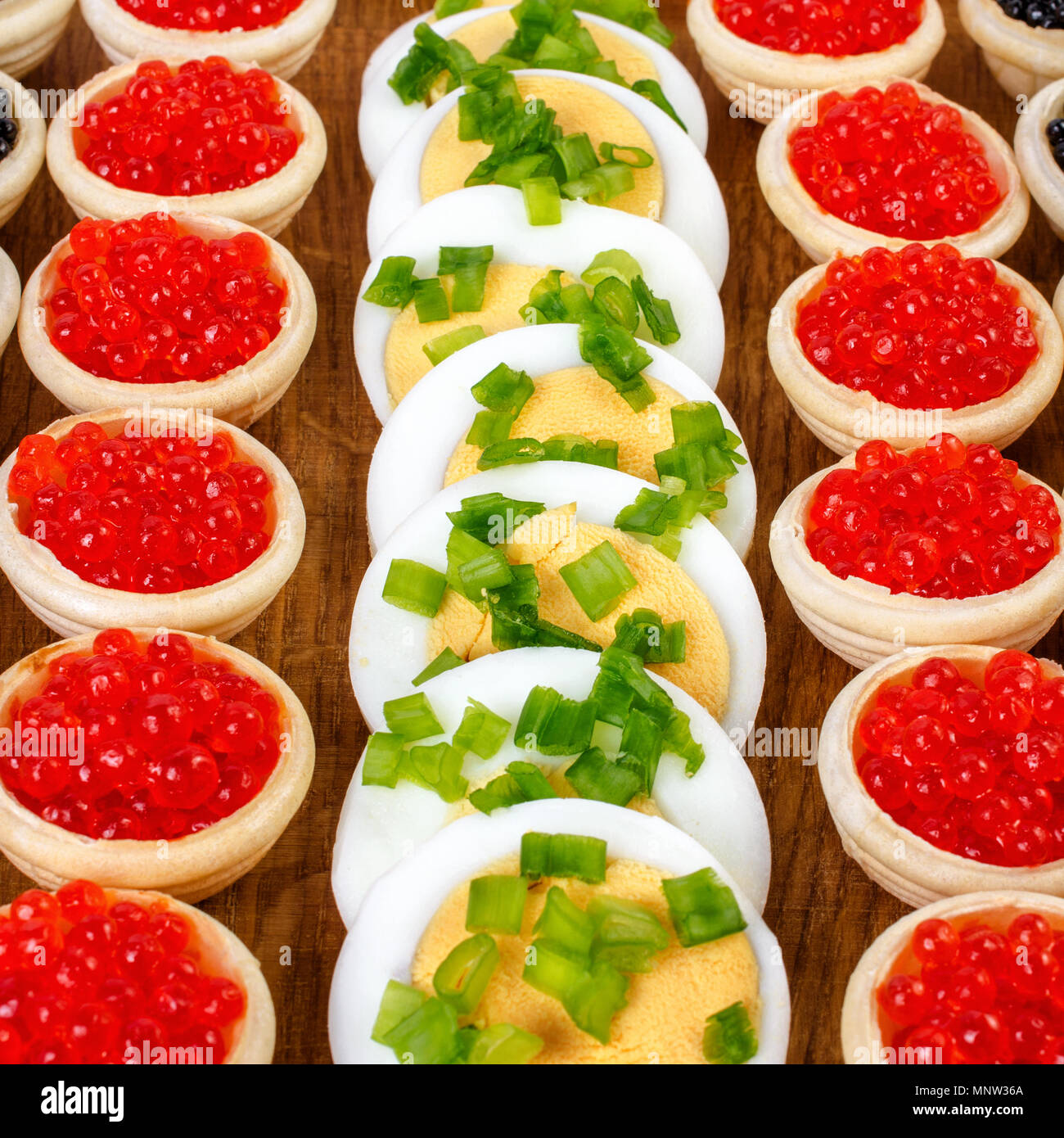 Tartlets with caviar. How to cook tartlets with red caviar 93