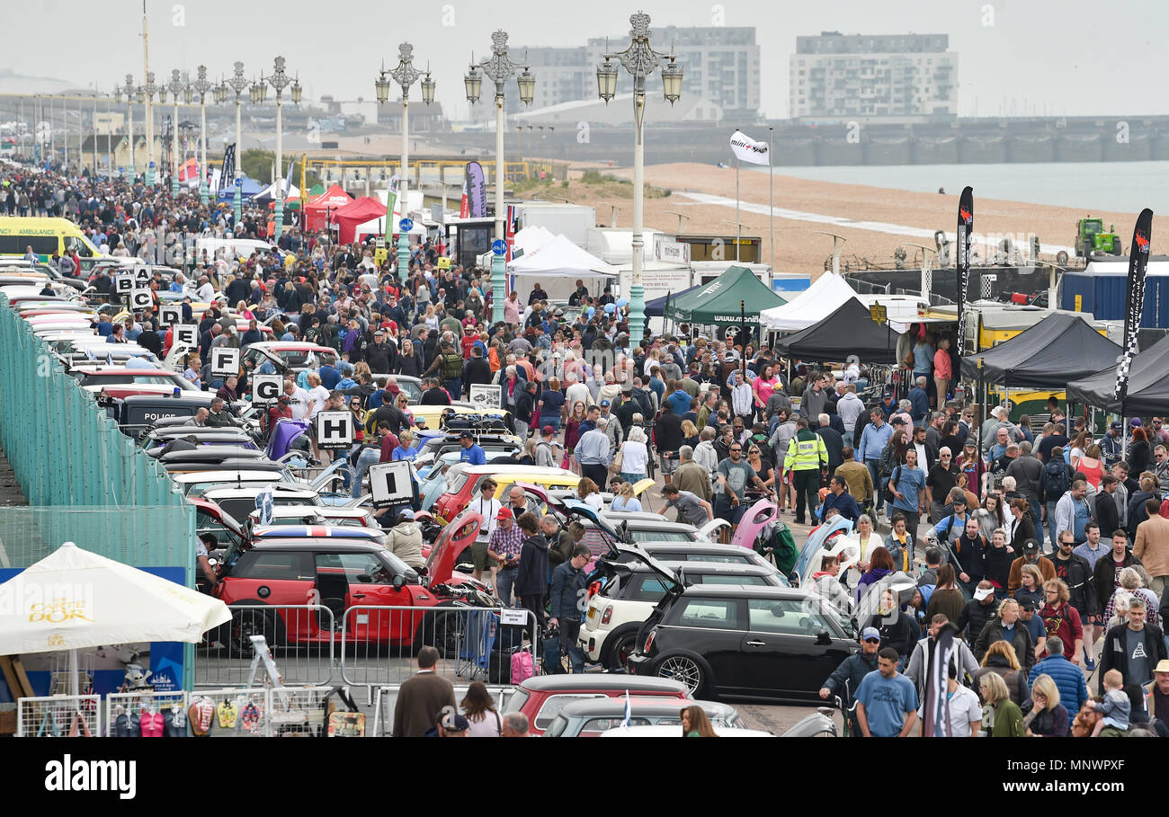 Brighton, UK. 20th May 2018. Hundreds of Mini cars and their owners parked up along Brighton seafront as they take part in the London to Brighton Mini Run 2018 . The annual event is organised by the London & Surrey Mini Owners Club and the cars drive down from Crystal Palace in South London to Madeira Drive Brighton Credit: Simon Dack/Alamy Live News Stock Photo