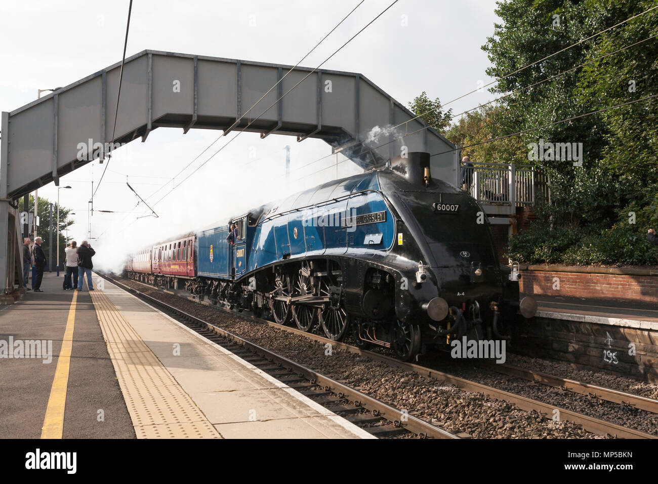 ex-lner-a4-steam-locomotive-60007-sir-ni