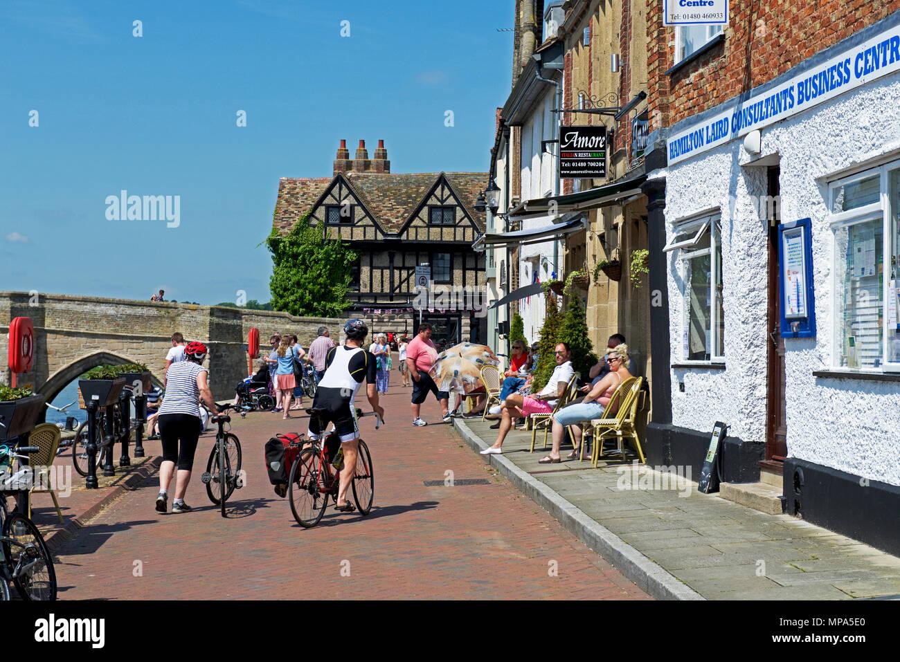 the-quay-st-ives-cambridgeshire-england-uk-MPA5E0.jpg