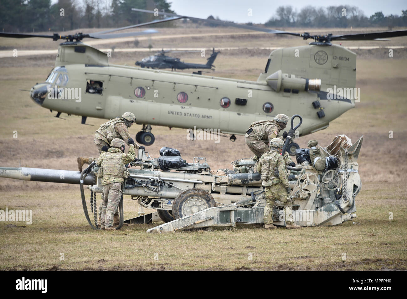 u s soldiers assigned to cobra battery field artillery squadron