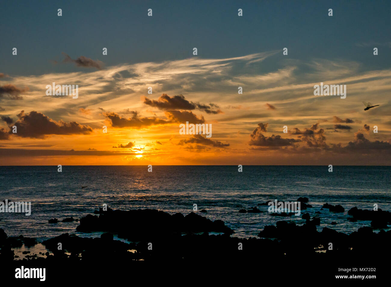 dramatic-colourful-sunset-over-pacific-o