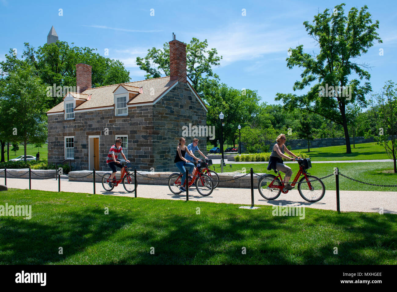 usa-washington-dc-lock-keepers-house-on-