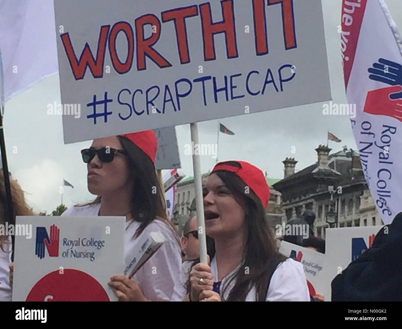 A302, London, UK. 06th Sep, 2017. Thousands of nurses, healthcare workers and members of the public gathered in Stock Photo