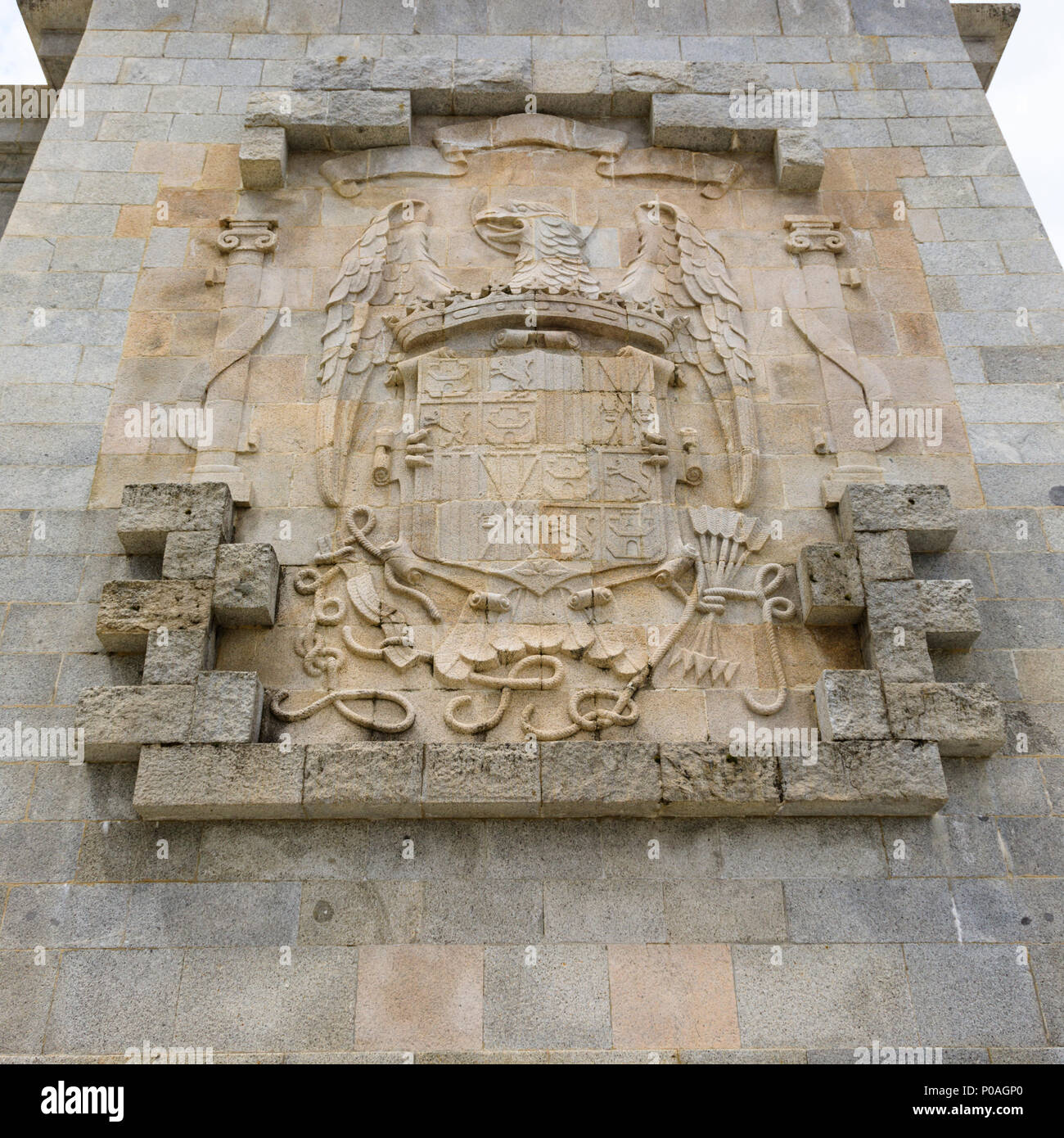 coat-of-arms-calle-de-los-caidos-valley-