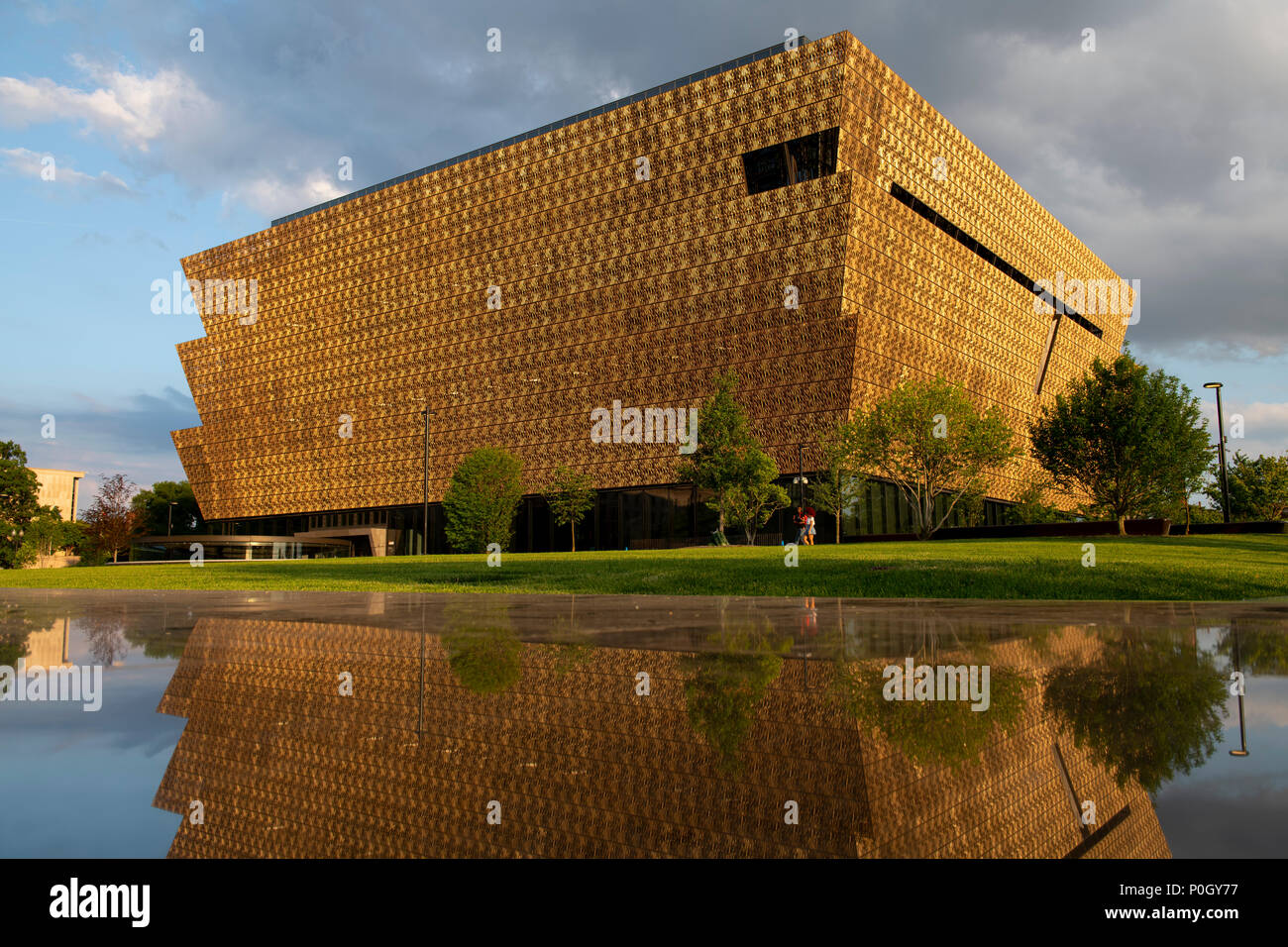 usa-washington-dc-smithsonian-museum-of-african-american-history-and-culture-on-the-national-mall-P0GY77.jpg
