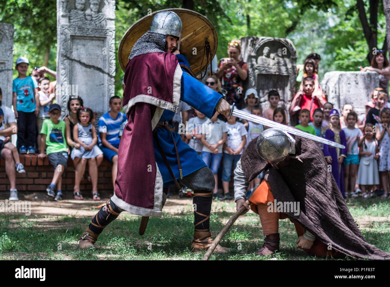 nis-serbia-june-10-2018-medieval-knight-