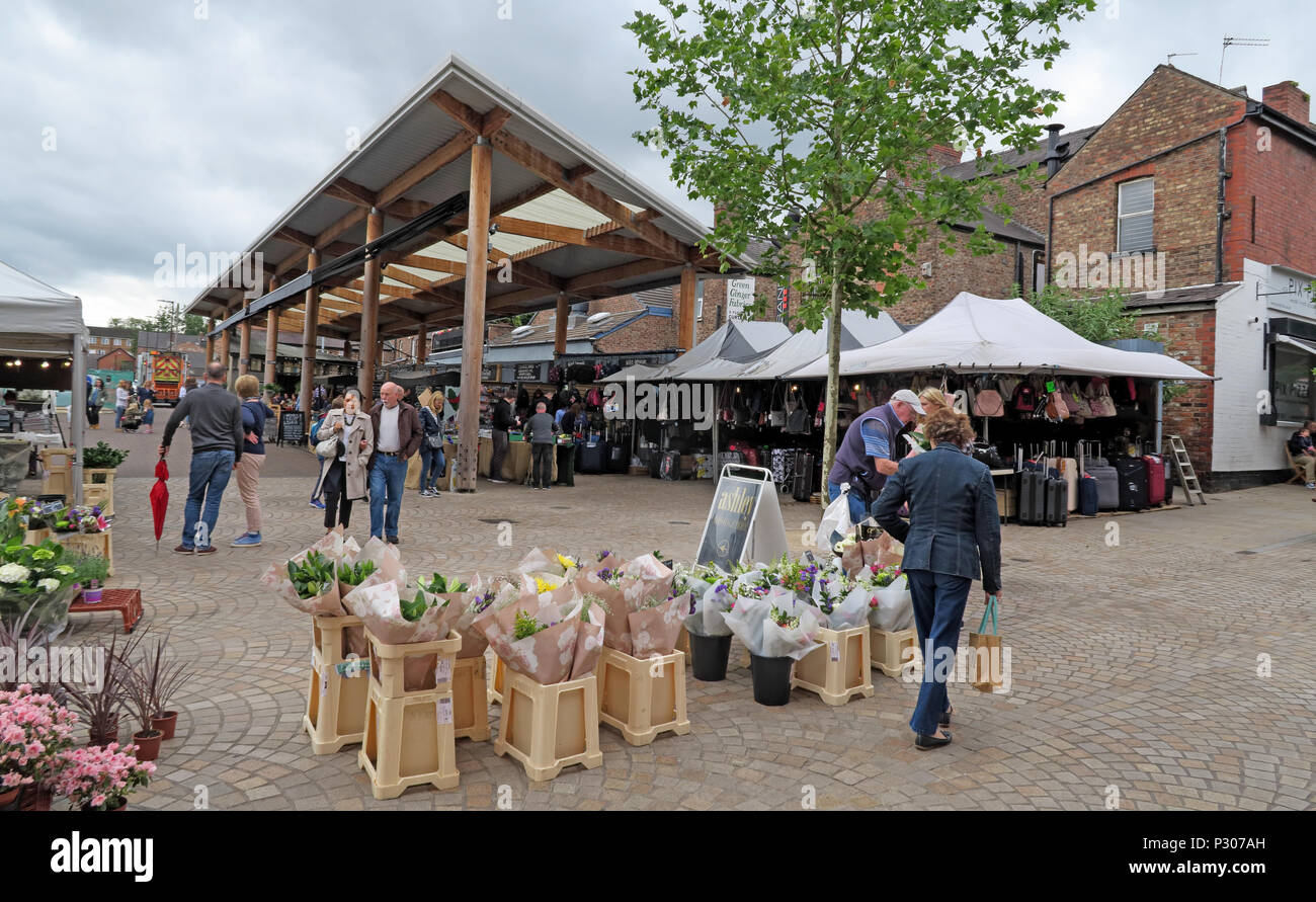 GoTonysmith,@HotpixUK,Trafford,Cheshire,town,centre,shopping,retail,similar to Borough Market London,Greater Manchester,Manchester,North West England,UK,shop,shoppers,stall,happy shoppers,food,cheese,meat,vegetables,drink,food court,bar,drinks,diners,dining,destination