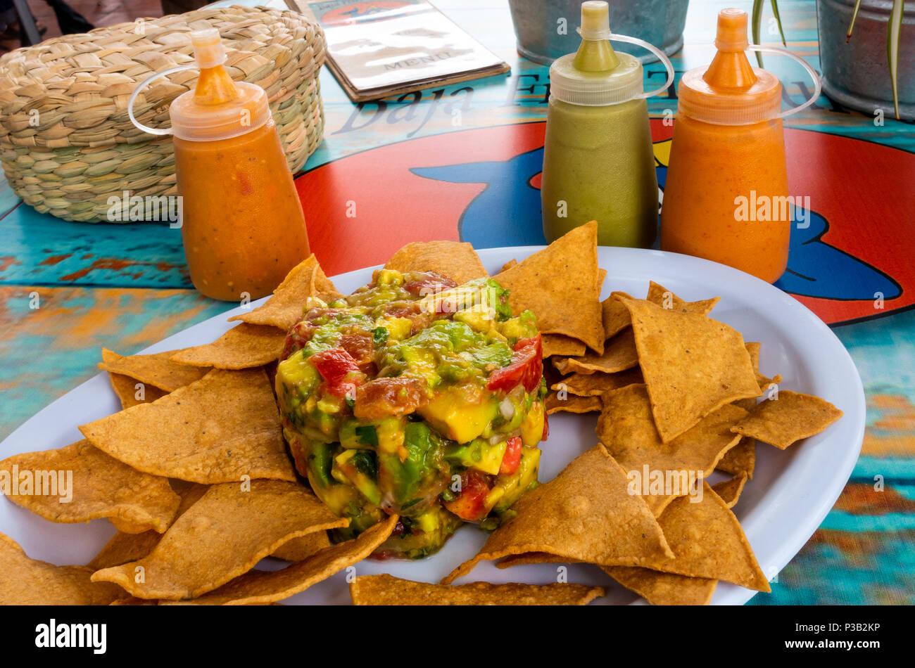 guacamole-and-tortilla-chips-at-baja-fis