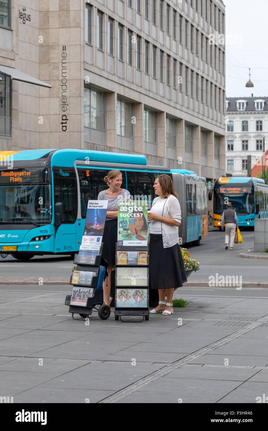 jehovahs-witnesses-danish-jehovas-vidner-nrreport-copenhagen-denmark-P3HR46.jpg