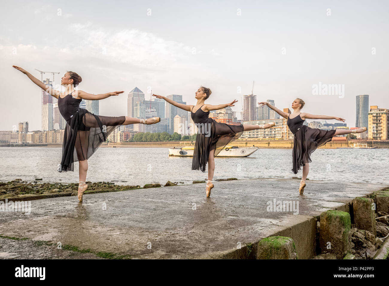 london-uk-20th-june-2018-dancers-from-se