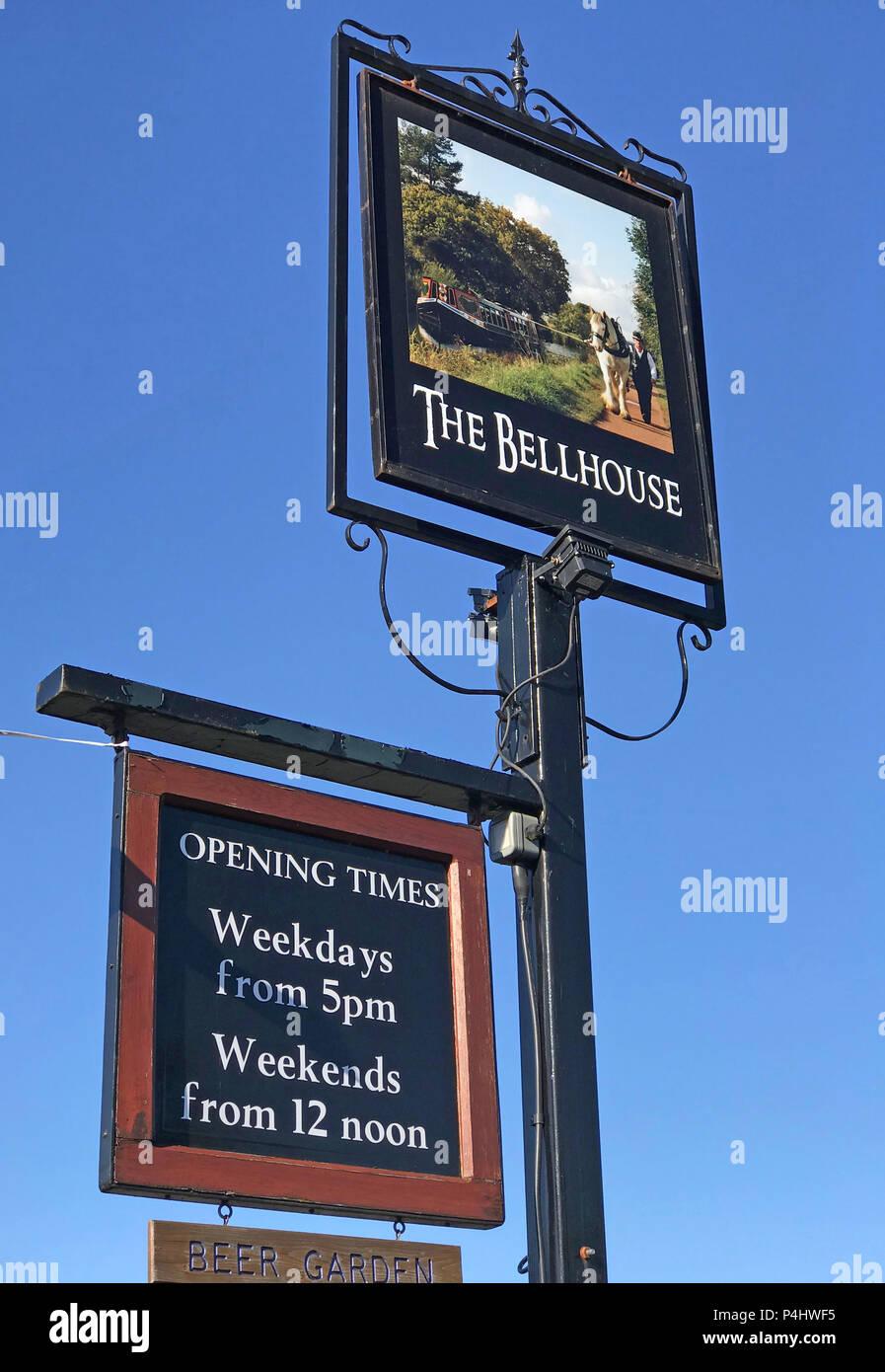 GoTonySmith,@HotpixUK,HotpixUK,Grappenhall,Village,Cheshire,Warrington,South Warrington,club,pub,realale,real ale,sign,pub sign