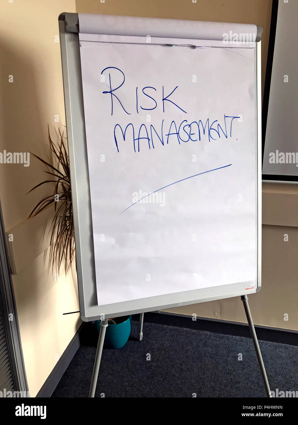GoTonySmith,@HotpixUK,White,paper,with,write,Flip Chart,strategy,Management Of Risk,reduce,risk,reduce risk,action,activity,planning,project risk management,mindshower,brain storming,brainstorming,analyse,direction,business concept
