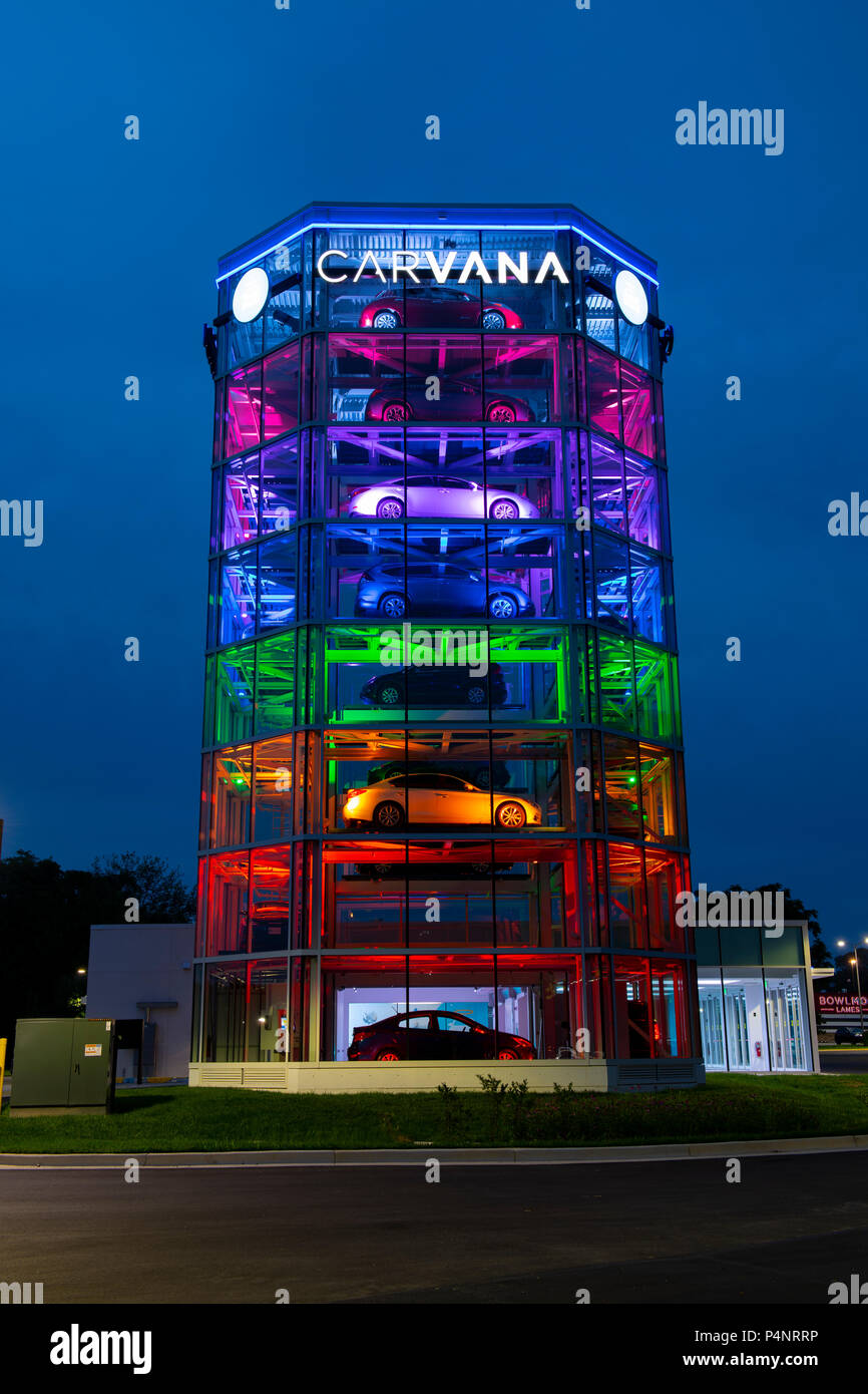 USA Gaithersburg Maryland MD Carvana Auto automobile car dealer using a vending machine concept to sell new cars Stock Photo