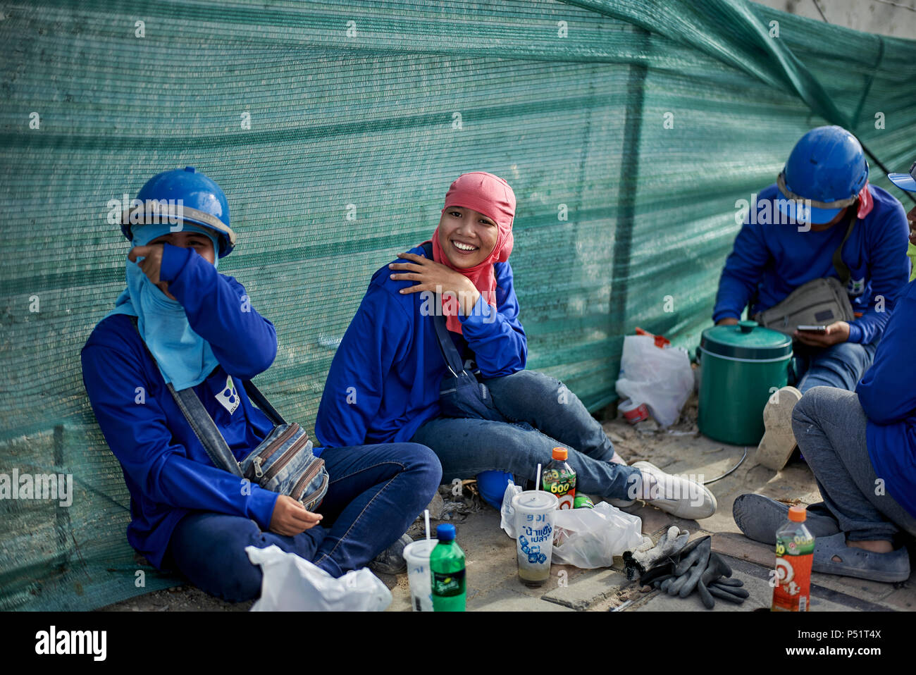 woman-building-site-thailand-female-cons