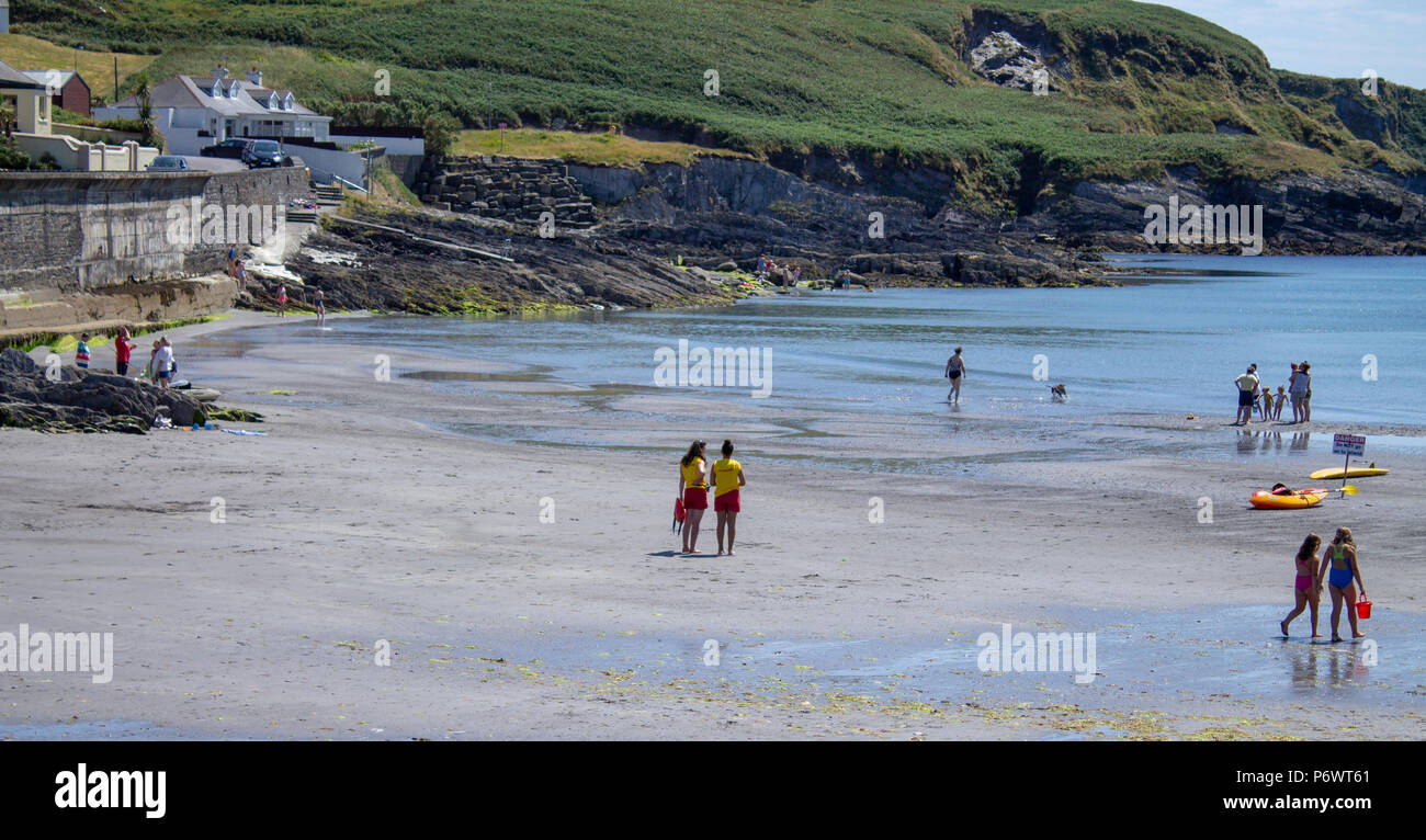 tragumna-west-cork-ireland-3rd-july-2018-another-scorching-hot-day-here-in-west-cork-as-the-heat-wave-continues-holiday-makers-are-making-the-most-of-the-sunshine-at-the-beach-where-life-guards-keep-a-careful-watch-for-the-more-careless-credit-aphperspectivealamy-live-news-P6WT61.jpg