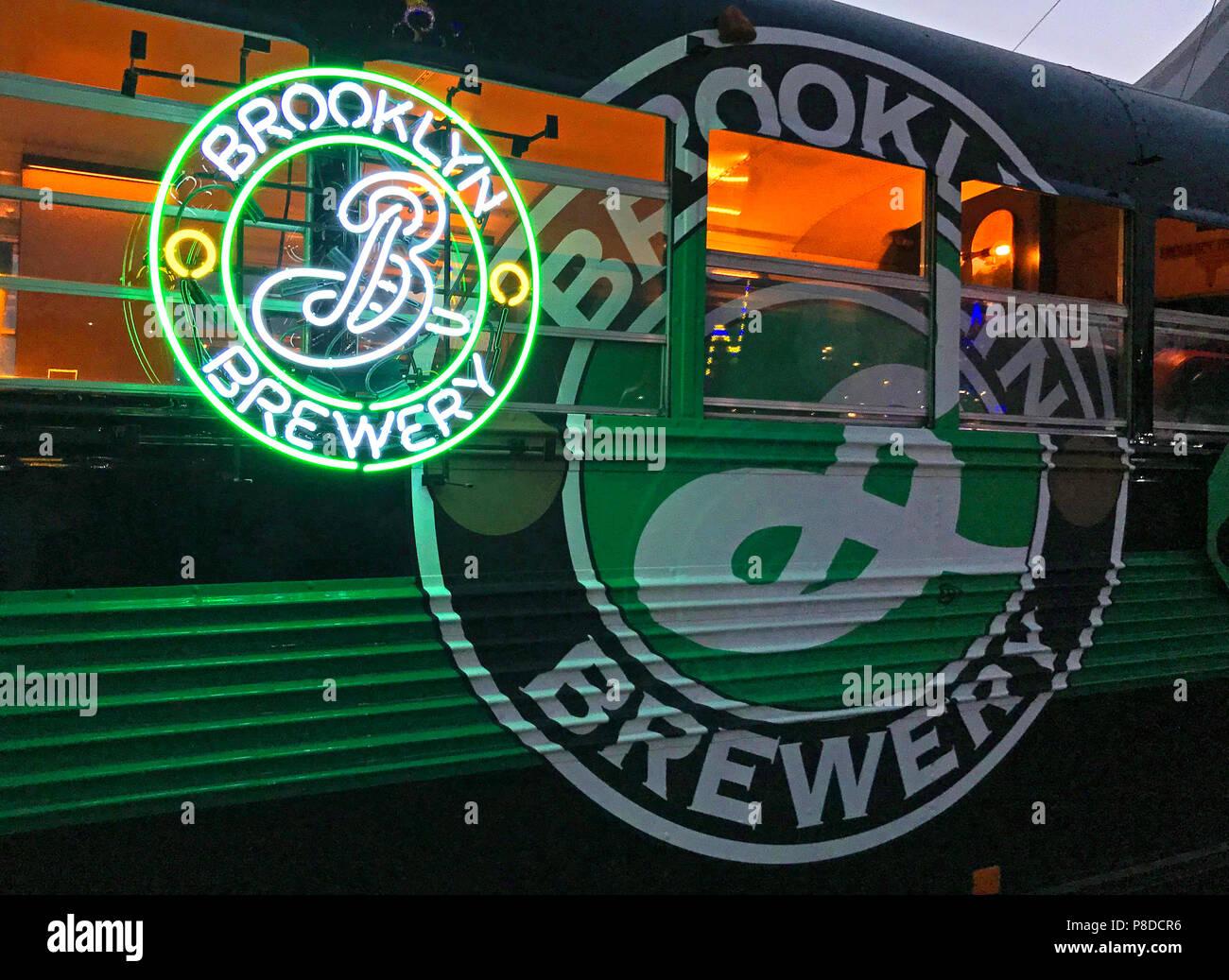 @HotpixUK,GoTonySmith,Silverstone,racing circuit,F1,GP,Formula One,Grand Prix,GrandPrix,Silverstone Woodlands,2018,Brewery,Brooklyn,Brooklyn Brewery,beer,sign,bus,craft beer,Microbrewery,79 N 11th St,New York,NY,11249,USA,Brooklyn neon sign,Brooklyn Brewery sign,Brooklyn Brewery Beer,green,yellow,dusk,night,Bel Air Sour,Defender IPA,IPA,American IPA,Craft IPA,Naranjito Orange peel pale ale,pale ale