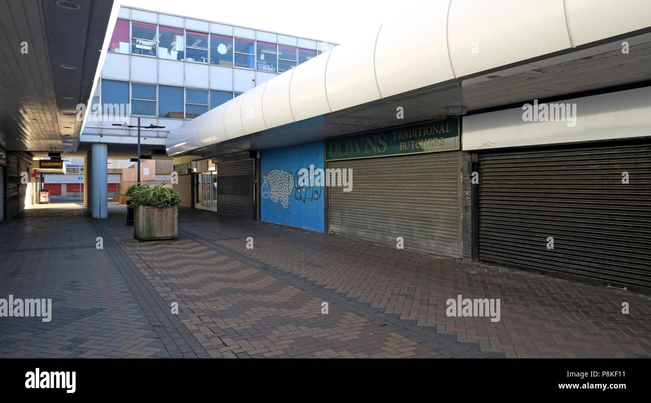 @HotpixUK,GoTonySmith,empty,deserted,shop unit,shop units,Town centre,void,concrete,Donny,poor,bad,times,England,UK,centre,shop,shopping,retail,retail units,units,stores,South,Yorkshire,GB,1970s,70s,derelict,abandoned,alone,lonely,Doncaster Council,Retail and Leisure Study,Leisure,summer,destination shopping,experience shopping,vitality,viability,Doncaster town centre