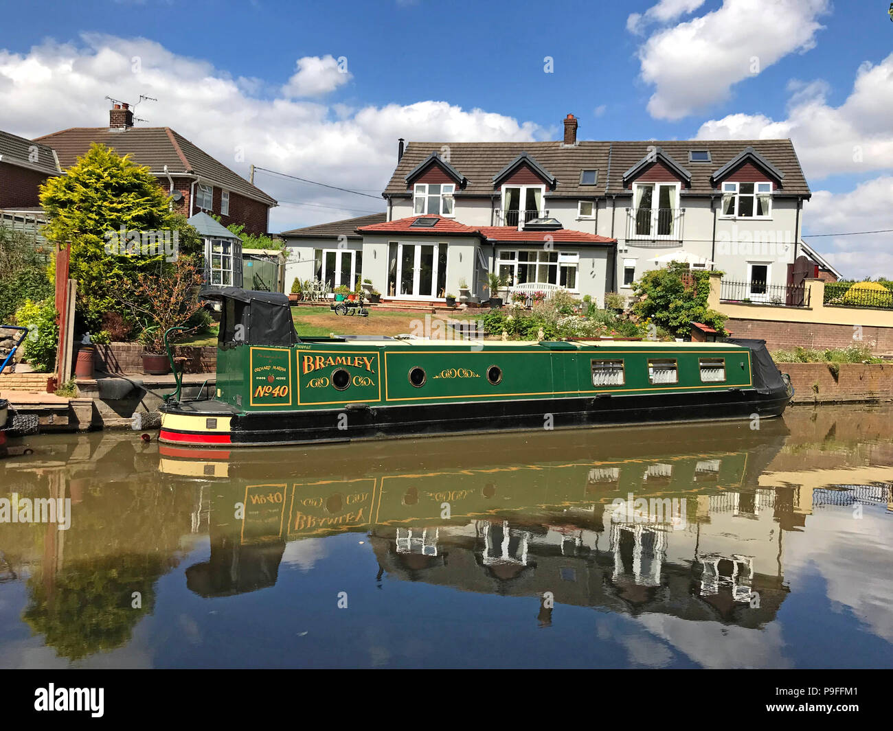 GoTonySmith,@HotpixUK,North West England,UK - Narrowboat,canals,Cheshire,Ring,UK,water,summer,tourism,tourist,Canal Anderton,Canal Northwich,tow path,towpath,No40,No 40,Bramley,Green,Green Barge,Green Narrowboat,clouds,cloud,reflection,reflections,painting,art,Anderton Lift,canal art,painted,painted canal boat,The Stanley Arms Anderton,Stanley Arms Anderton,Stanley Arms,pub,Anderton