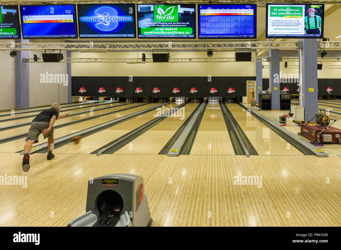 gothenburg-sweden-july-18-2018-lone-older-man-practising-bowling-by-himself-P9K5GR.jpg