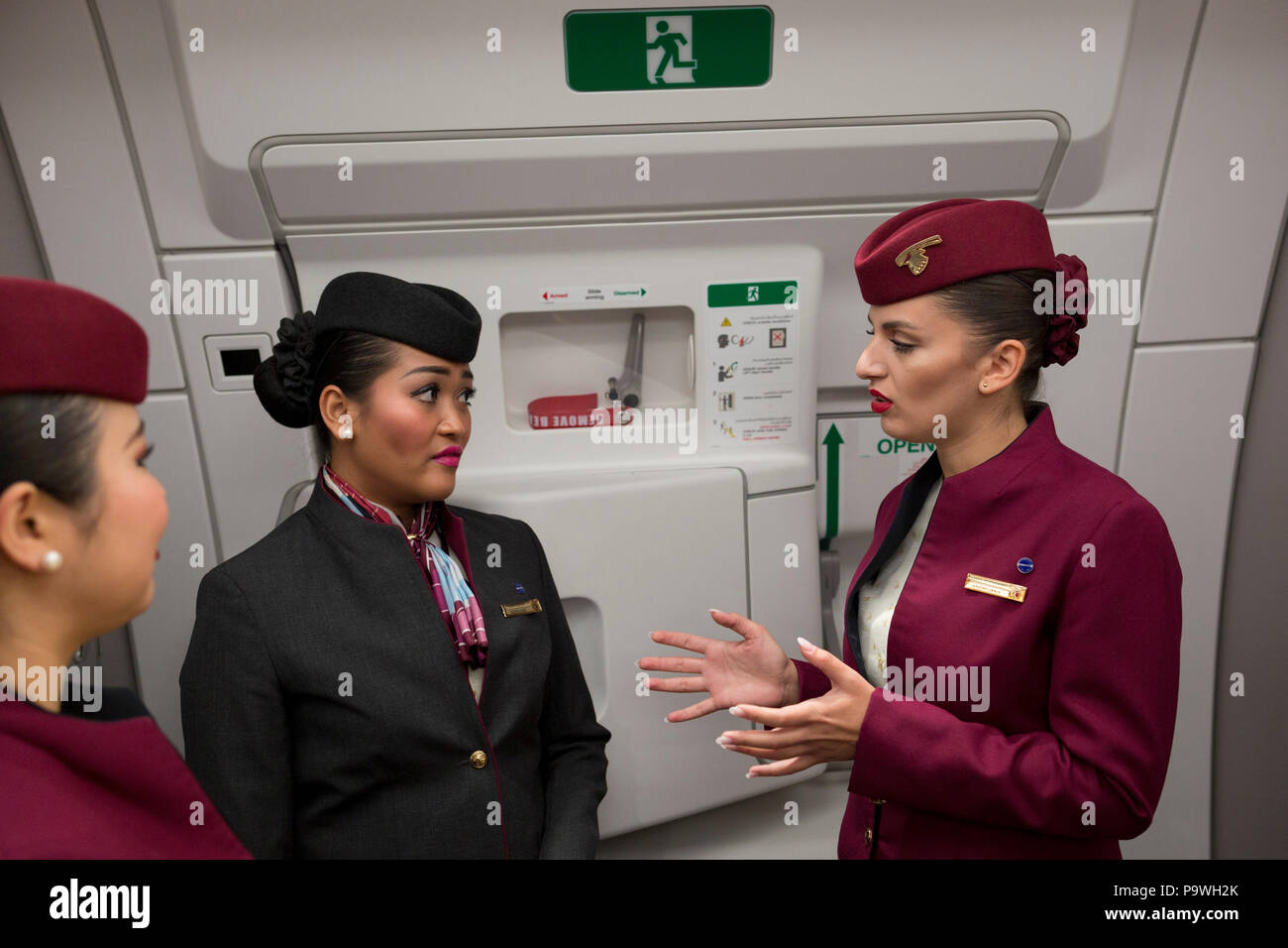 qatar-airways-cabin-crew-in-an-airbus-a3