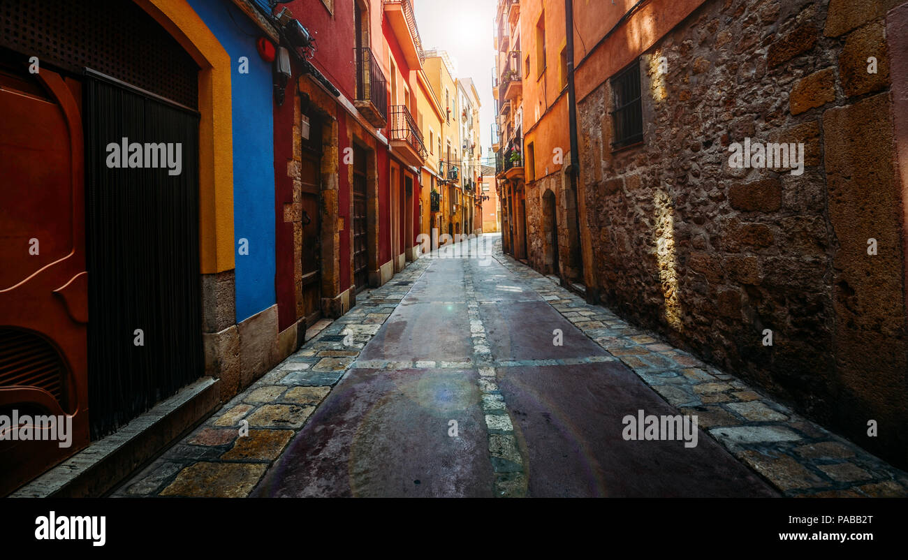 wide-angle-view-of-narrow-ancient-streets-of-tarragona-catalonia-spain-PABB2T.jpg