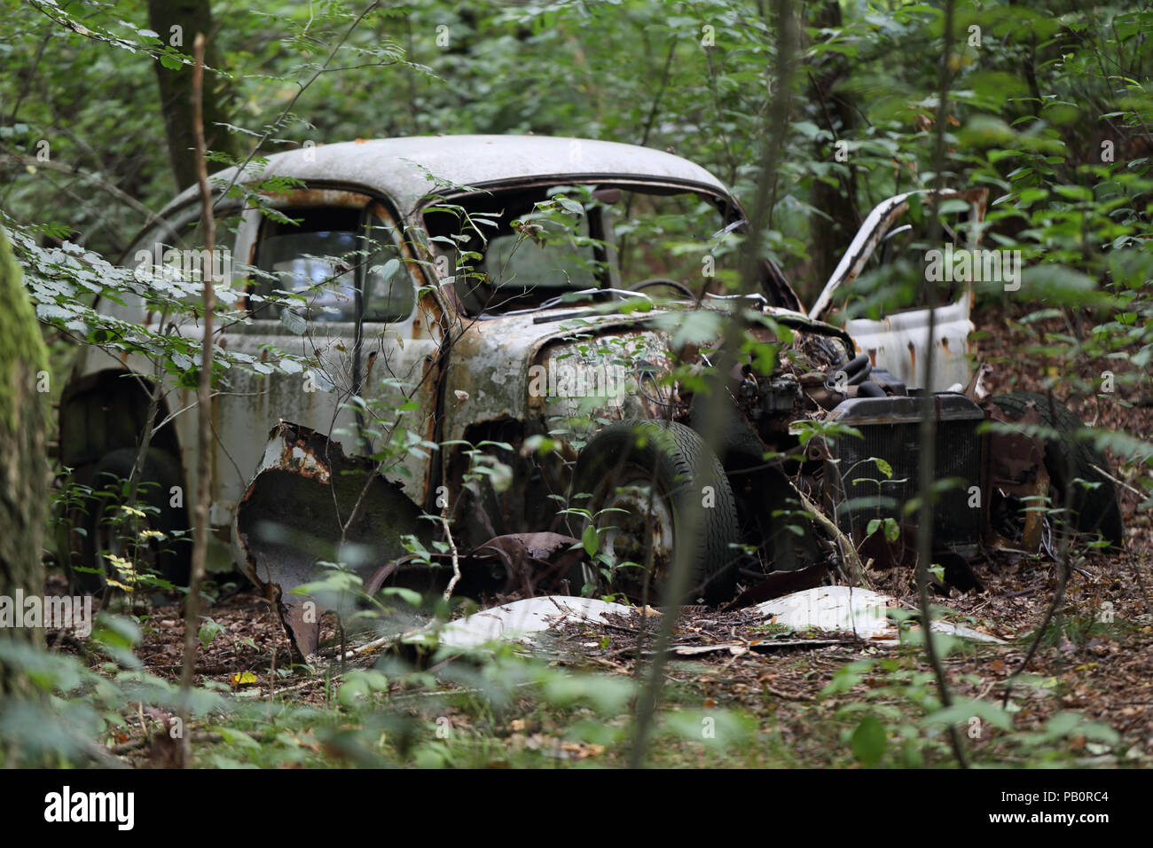 an-old-volvo-pv-544-made-from-the-1940s-