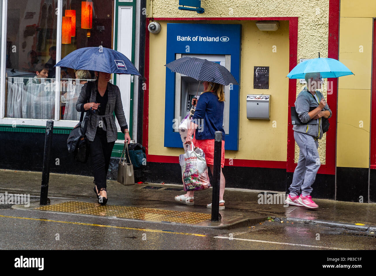 skibbereen-west-cork-ireland-26th-july-2018-after-weeks-of-an-irish-heatwave-which-brought-blisteringly-hot-temperatures-rain-finally-hit-the-west-cork-region-of-ireland-today-the-rain-is-expected-to-last-until-at-least-next-week-credit-andy-gibsonalamy-live-news-PB3C1F.jpg