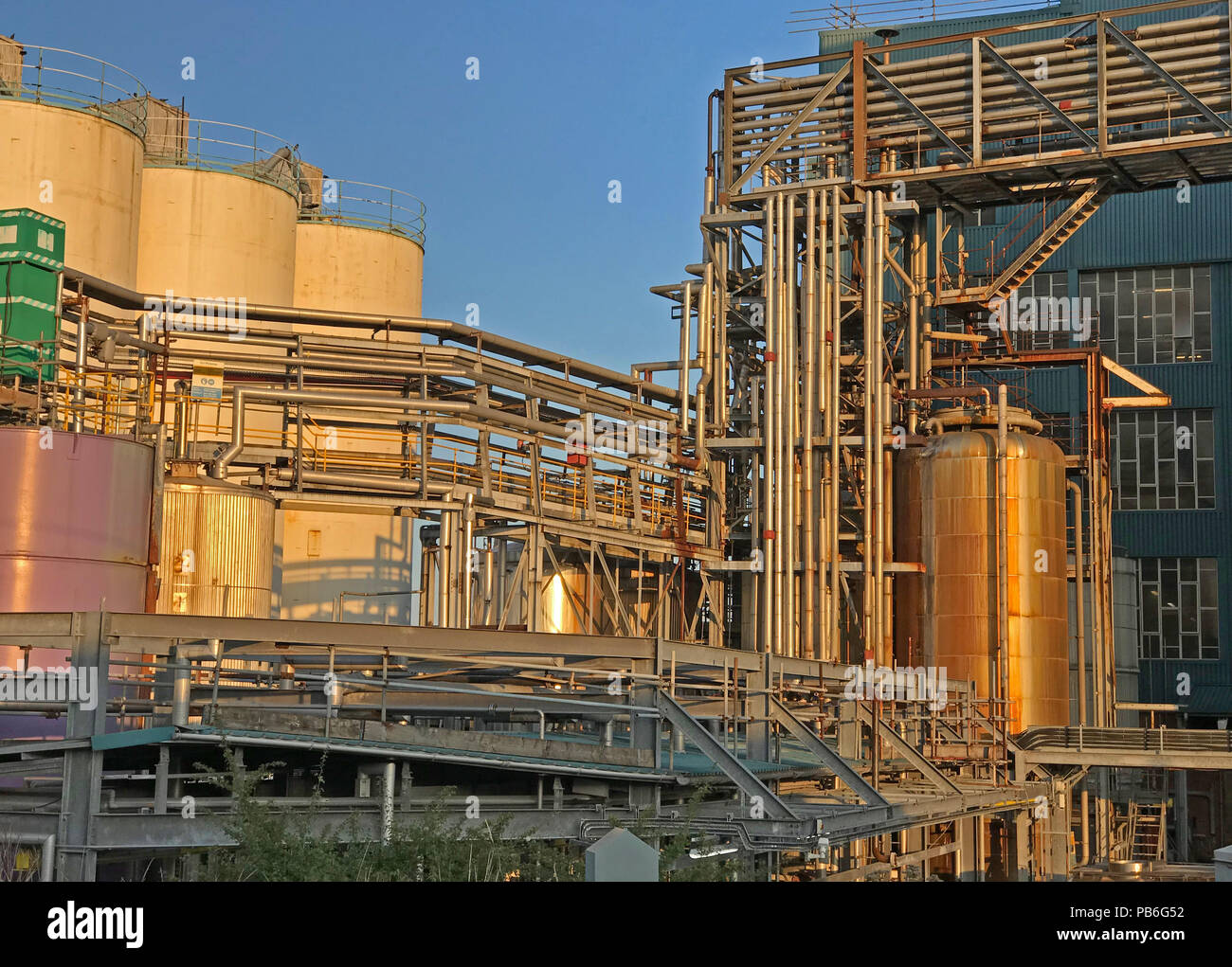 @HotpixUK,GoTonySmith,soap,Chemical,Lever,Brothers,Ltd,Warrington Bank Quay,Cheshire,North West England,UK,limited,tank,tanks,storage