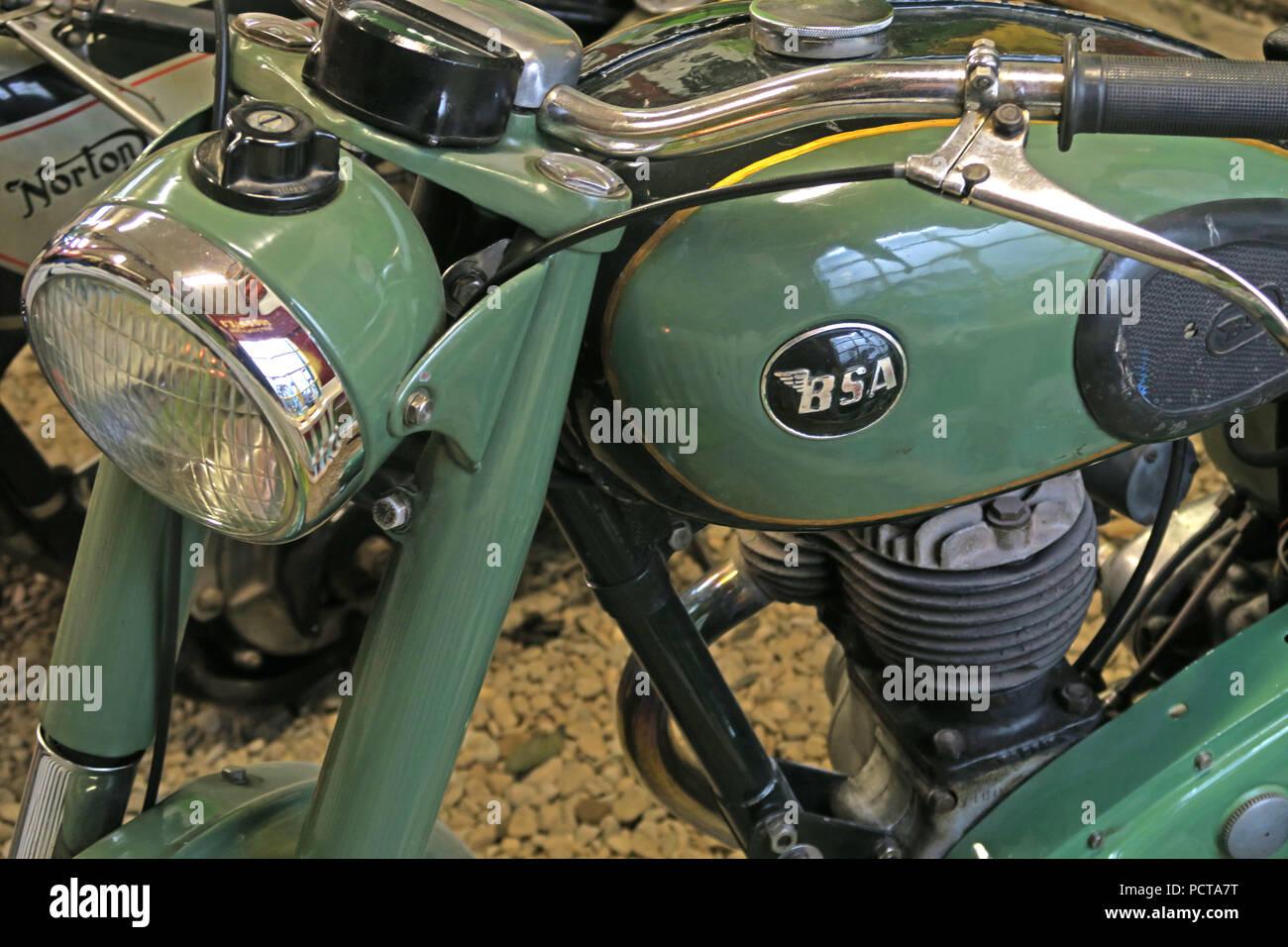 GoTonySmith,@HotpixUK,old,motorbike,motocycle,motor bike,motor cycle,green,sea green,BSA bike