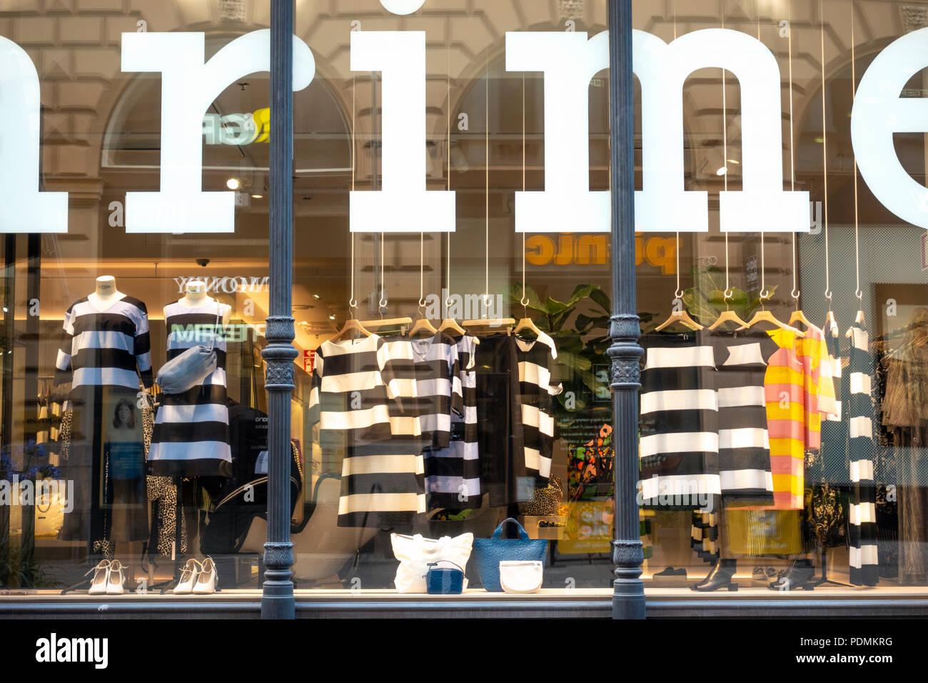 https://c7.alamy.com/comp/PDMKRG/marimekko-fashion-store-in-mikonkatu-mikaelsgatan-street-in-helsinki-finland-PDMKRG.jpg