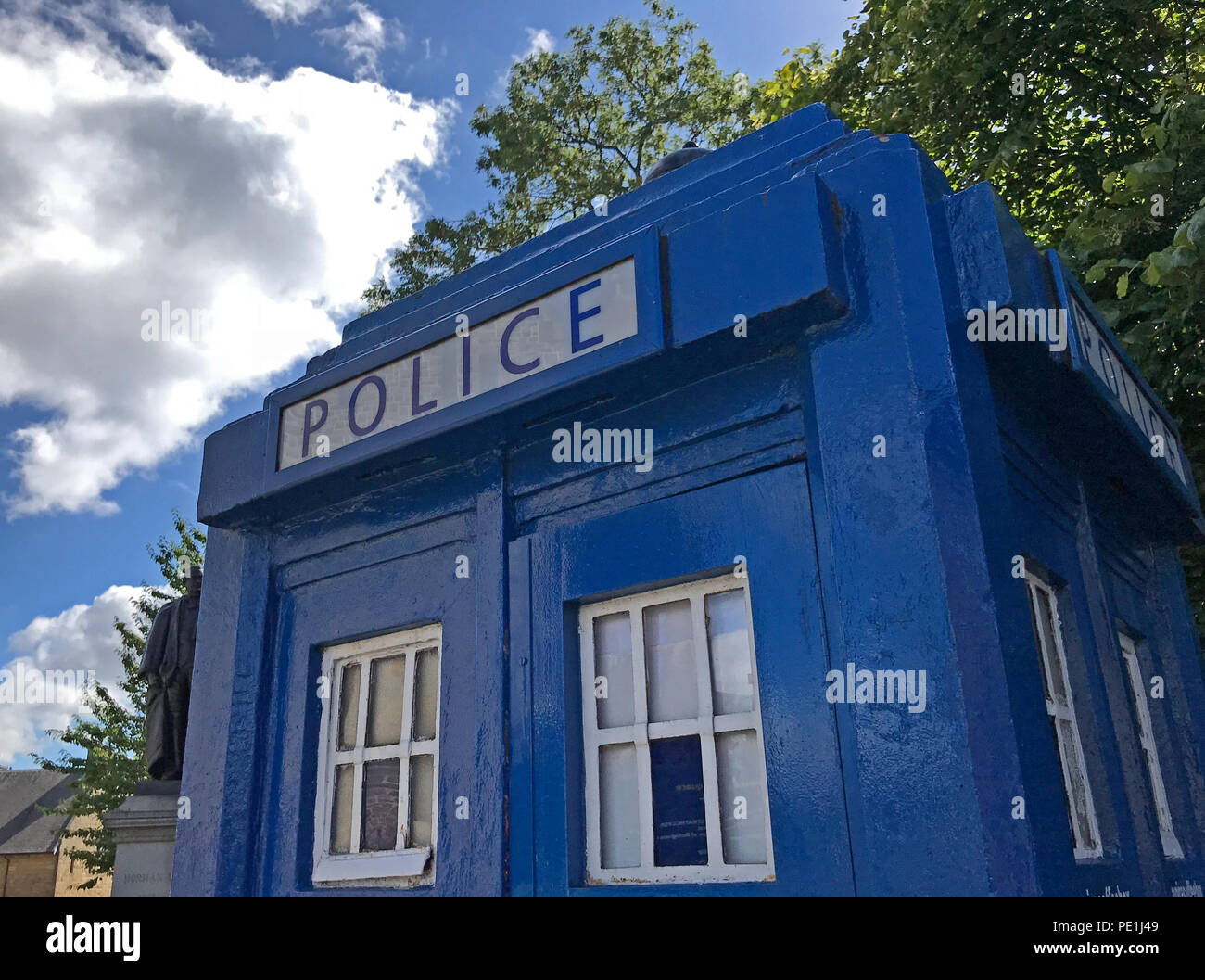 GoTonySmith @HotpixUK,GoTonySmith,@HotpixUK,Blue,police,call,box,Glasgow,Scotland,UK,Blue,city centre,Scottish,blue box,blue police box